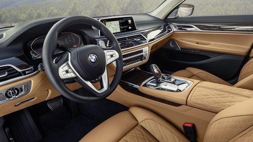 BMW unveils new 7 Series for 2019 - and check out the size of the grille