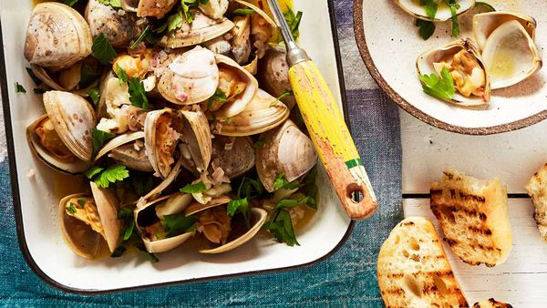 Matt Wilkinson's one-pot clams with garlic, lemon and parsley recipe