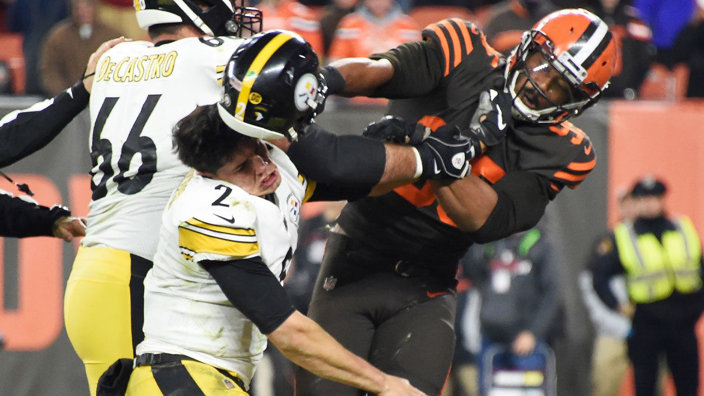 Cleveland Browns' Myles Garrett strikes Mason Rudolph with helmet