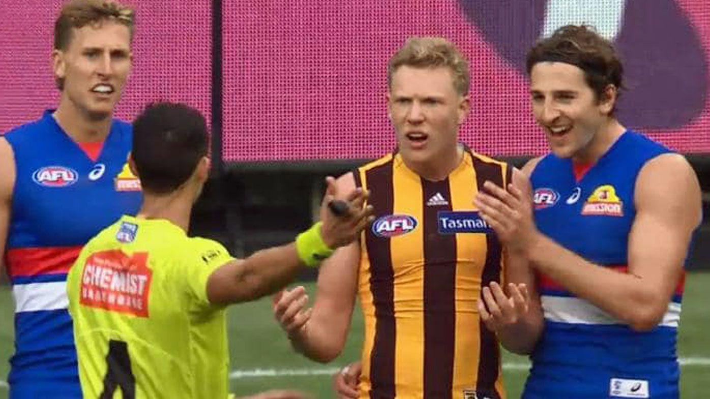 'Diabolically bad' penalty sparks heated debate in Hawthorn's loss to Western Bulldogs