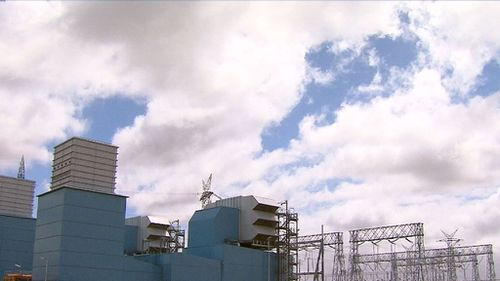 A November heatwave combined with the failure of two power plants in the Latrobe Valley has drained the state's energy reserves. (9NEWS)