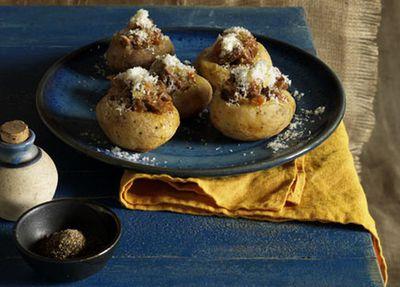 Potatoes stuffed with braised lamb