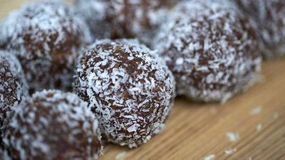 <strong>Raw bliss balls</strong>