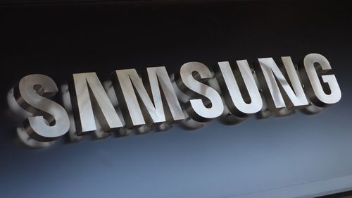 Samsung to render exploding phones useless with software update