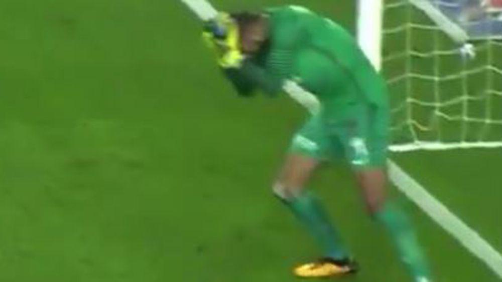 Fenerbahce fans throw bottle at head of Basaksehir goalkeeper Volkan Babacan