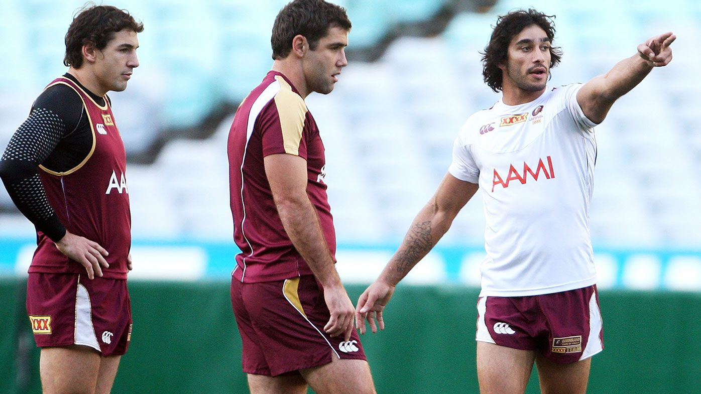 Billy Slater, Cameron Smith and Johnathan Thurston discuss tactics during a Queensland Maroons State of Origin training session at ANZ Stadium on June 23, 2009 in Sydney, Australia. (Photo by Mark Kolbe/Getty Images)