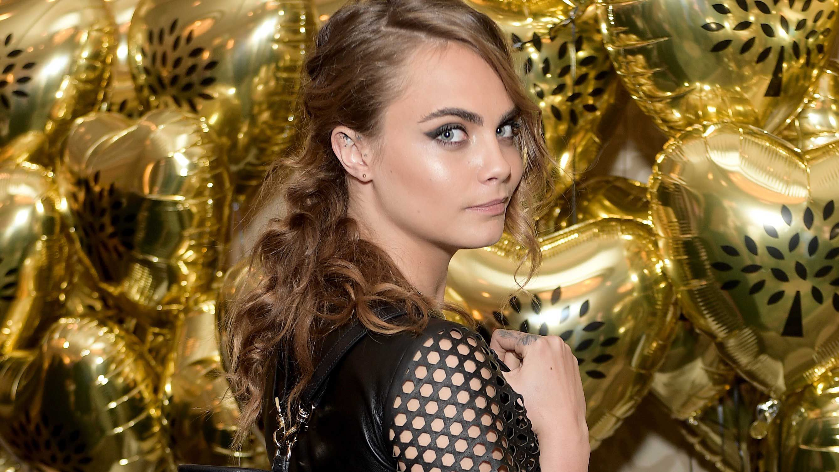 Cara Delevingne shows her wild side in Mulberry collection