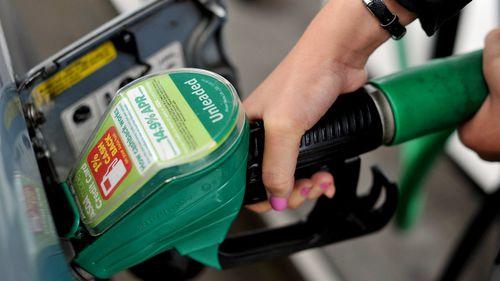 Bringing back fuel pump attendants could triple profits for service stations