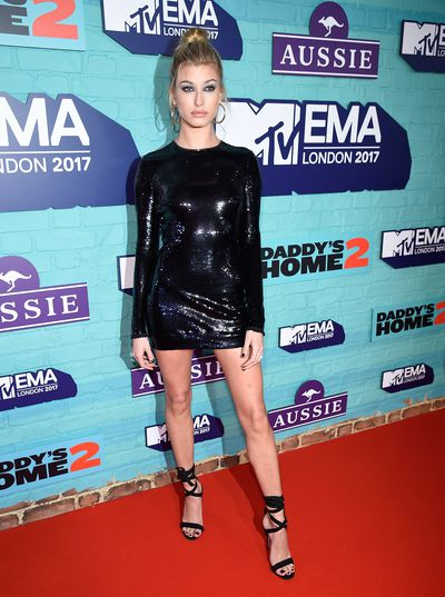 Hailey Baldwin in Tom Ford at the 2017 MTV VMA Awards.