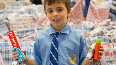 Perth schoolboy makes thousands of packages for the homeless