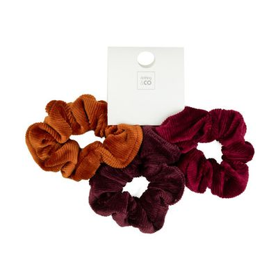 "<a href=""http://https://www.kmart.com.au/product/3-pack-corduroy-scrunchies---red,-rust--burgundy/2097837"" target=""_blank"" title=""3 Pack Corduroy Scrunchies in Red, Rust and Burgundy, $5"">3 Pack Corduroy Scrunchies in Red, Rust and Burgundy, $5</a>"