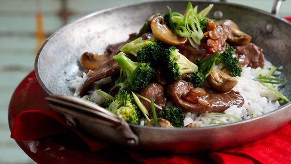 Braised lamb with broccoli