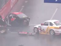 Aussie Racing Cars smash on Gold Coast