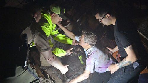 Tornado rescue workers