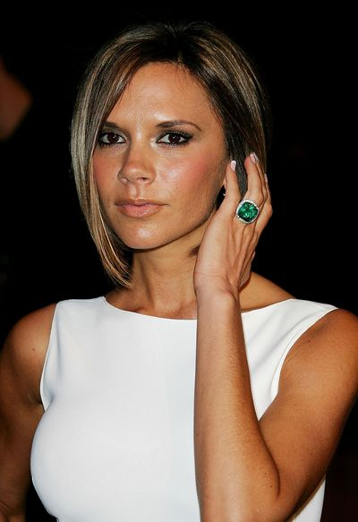 For a transition into the world of gemstones, the former pop star stepped out with a cushion-cut emerald with a platinum spiral setting ring at the 2007 Vanity Fair Oscar Party.