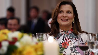 Jenny attends state dinner in Vietnam