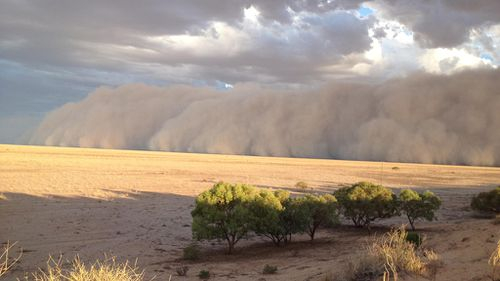 After the storm passed the town remained bathed in dust until later in the evening. (Supplied, Maggie den Ronden)