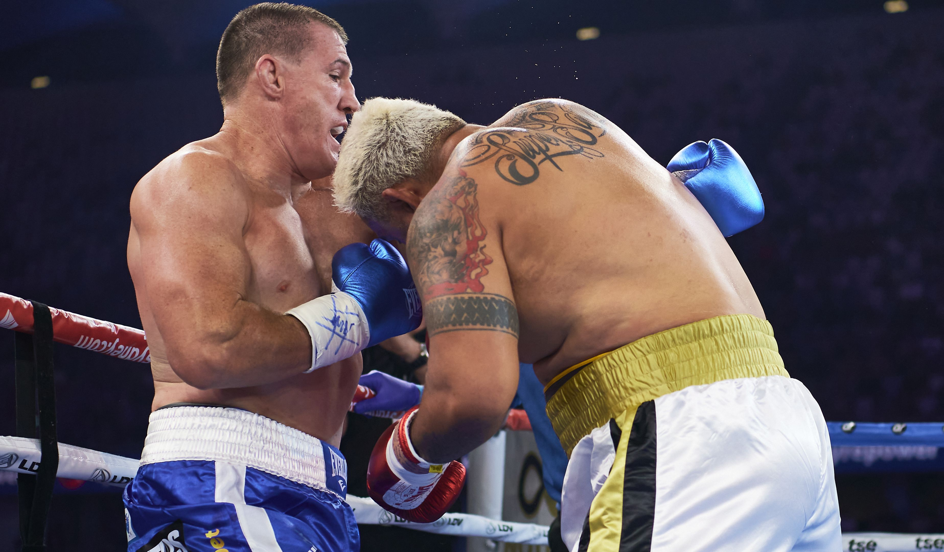 Paul Gallen pays tribute to MND sufferers Con Ange, Carl Webb after fight win