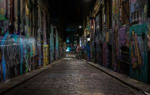 Coronavirus 'ghost towns': Melbourne's usually packed streets remain silent as curfew drags on