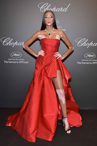 Winnie Harlow Celebrates Body Confidence With Nude Selfie Read More