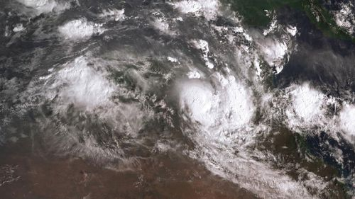 The latest image of Cyclone Owen approaching Queensland