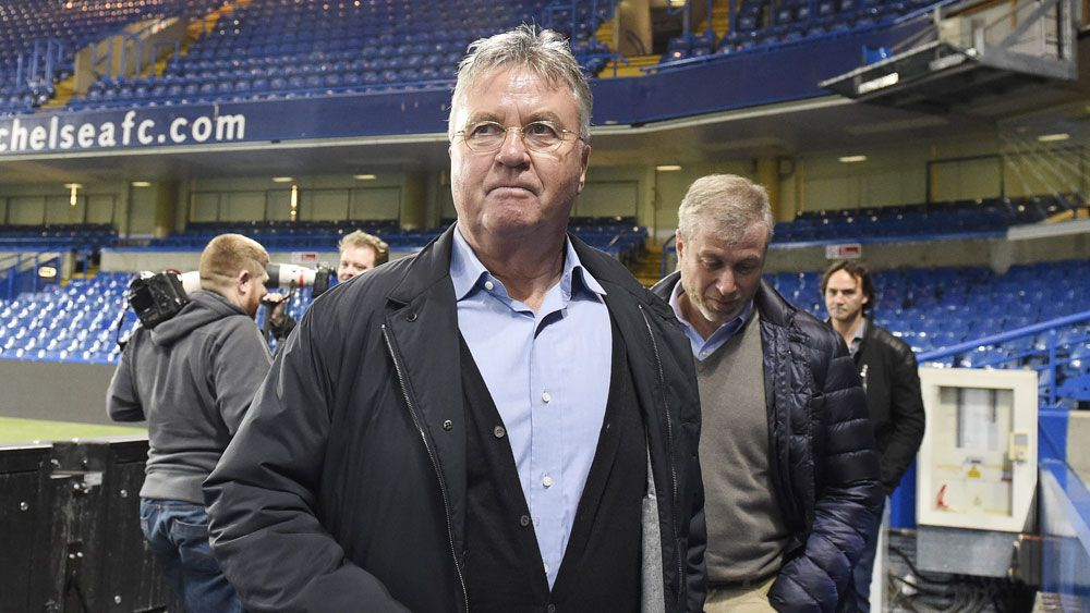 Chelsea turn to Hiddink again