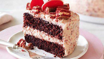 "Recipe:&nbsp;<a href=""http://kitchen.nine.com.au/2016/05/05/10/52/red-velvet-tim-tam-cake"" target=""_top"">Red velvet Tim Tam cake</a>"