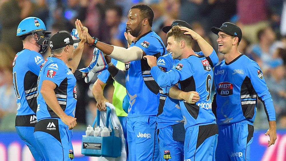Sixers collapse helps Strikers to BBL win