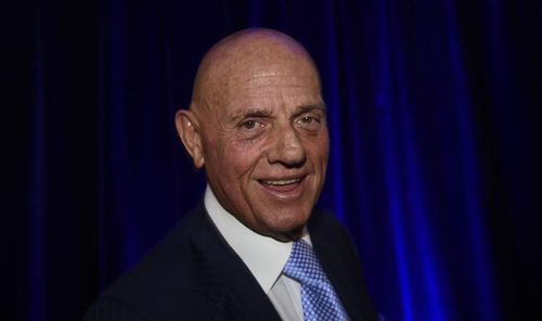 Solomon Lew is the head of Premier Investments that includes Portmans, Just Jeans, Dotti and Smiggle. (AAP)