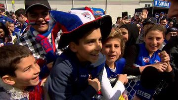 Bulldogs fans turn out in droves for training session