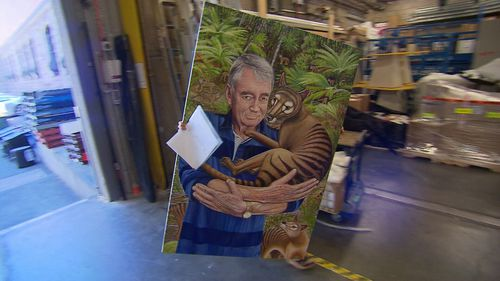 The loading dock at the Art Gallery of NSW was abuzz with artists delivering their Archibald Prize entries today. (9NEWS)