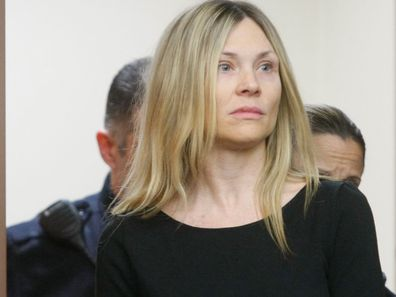 Amy Locane enters the courtroom to be sentenced in Somerville, New Jersey (Photo: February 2013)
