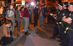 Brisbane hotel asylum protest to ramp up