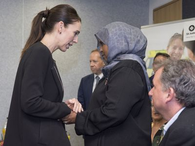Jacinda Ardern meets with St John workers