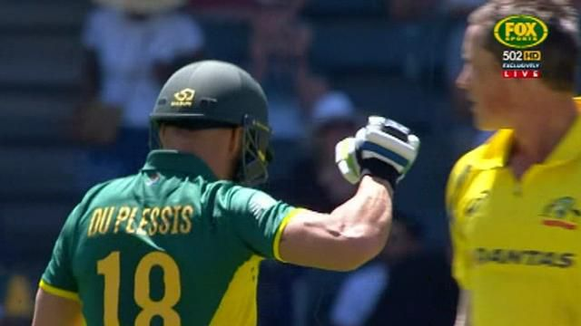 South Africa thumps Australia in second ODI