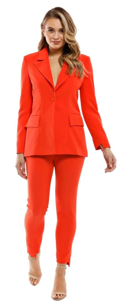"<p><a href=""https://www.glamcorner.com.au/designers/elliatt/harper-blazer-and-pant-set-tangerine"">ELLIATT Harper Blazer And Pant Set - Tangerine</a></p> <p>$89&nbsp;rental </p> <p> $340 retail</p>"