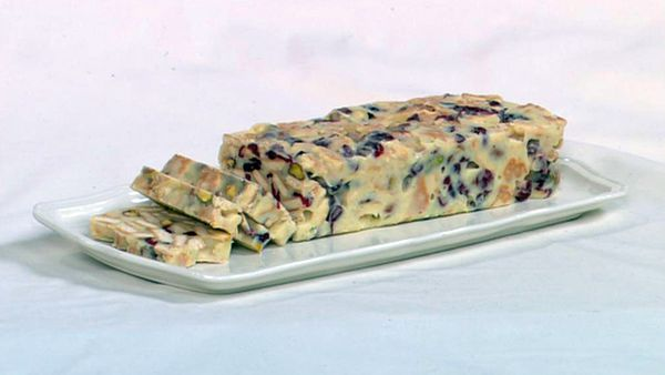 White chocolate, cranberry and pistachio hedgehog slice