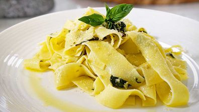 Easy, 10 minute pesto pasta
