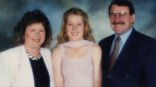Rachelle with her parents Anne and Graham.