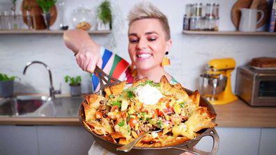 Jane de Graaff makes her cheesy, lazy one pan nachos