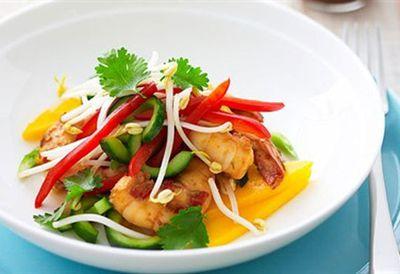 """<a href="""" /recipes/iprawn/8347166/mango-and-prawn-salad """" target=""""_top"""">Mango and prawn salad<br> </a>"""