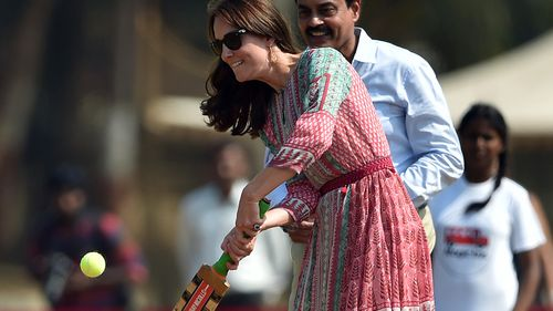 Prince William and Duchess Kate play cricket on India tour