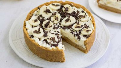 "<a href=""http://kitchen.nine.com.au/2016/09/13/15/15/no-bake-banoffee-pie"" target=""_top"">No bake banoffee pie</a>"