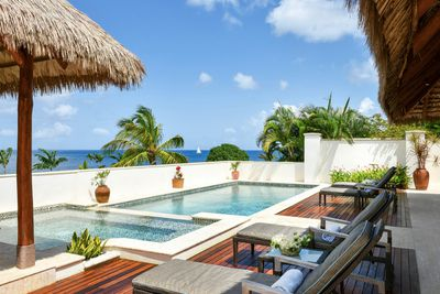 <strong>Paradise Beach Nevis</strong>