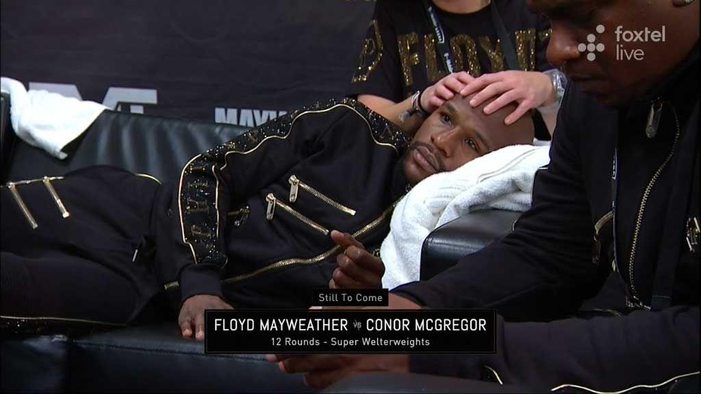 Mayweather's unusual pre-fight ritual