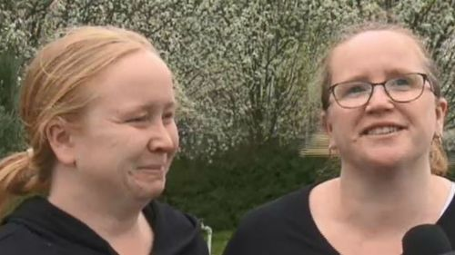 Amy De Battista (L) and Claire Oliver remember their brother. (9NEWS)