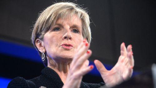 Bishop stops short of rebuking Obama over Great Barrier Reef comments