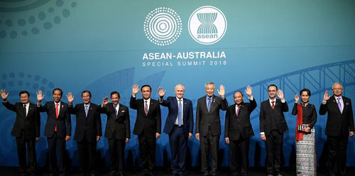 Prime Minister Malcolm Turnbull and ten regional leaders assemble for the Leaders' Welcome during the ASEAN Special Summit in Sydney (AAP)