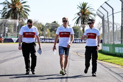 Marcus Ericsson (SWE) Sauber F1 Team walks the circuit with the team. (AAP)
