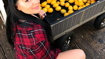 Ariel Winter loves flaunting her curves: See her sexiest photos!